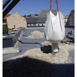 Štrkový kameň vymývaný dodaný v Big Bagoch s vyložením a vysypaním na strechu frakcia: 16/22, 8/16, +22